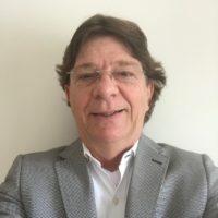 Dr. Mauro Carbonar