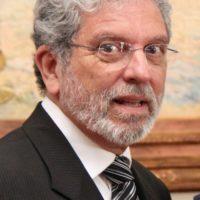 Dr. Luiz Carlos Souza Sampaio